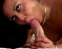 Sensual Latina milf gratifying jock with her face hole