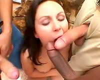 Slut performs in great interracial blowbang