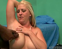 Black penis cums in the armpit of white milf