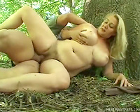 Super fat woman got her cunt fucked from behind