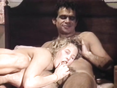 Bootylicious blond haired slut in missionary style fuck