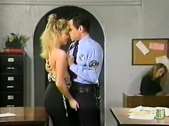 Luscious blonde playgirl acquires her twat licked and fingered