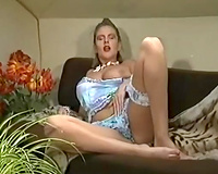 Retro orgy scene with 2 hotties gettting double permeated