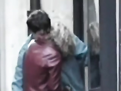 Drunk girlfriend gives my ally a oral pleasure right on the street
