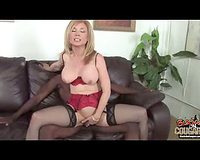 Sexy cougar interracia fucking