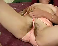 This lonely babe completely can't live without wanking her muff with her hand