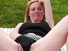 Passionate outdoor fucking is all this babe wishes right now