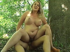 Super bulky white woman riding big cock outdoors