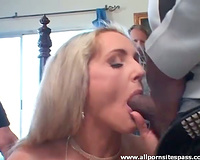 Wife drops to her knees to engulf darksome weenie