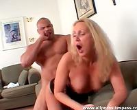 Thick dark dude copulates sultry blond bitch
