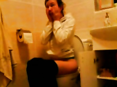 Homemade solo with me exposing my gazoo in a toilet