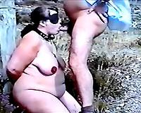 Blindfolded trollop demonstrates excellent ramrod engulfing skills