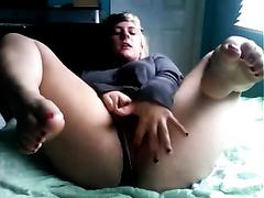 Mature black cock slut tastes her own fingers after masturbation on webcam
