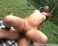 Daring pair have a fun hardcore sex outdoors