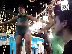 Sizzling hawt Arab temptress knows how to dance seductively