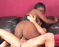 Bubble wazoo ebony slut rides her lover's jock like a true cowgirl
