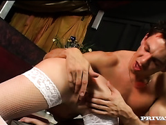 Amateur playgirl lets a stud play with her twat and sucks his wang