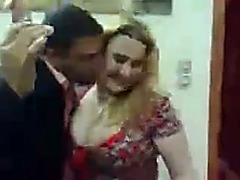 Arab hussy shows her cleavage to my buddy in homemade movie