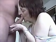 Mature amateur brunette sucks my schlong in homemade video
