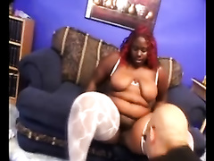 Fat ebon whore shows her biggest arse and gives a fine blowjob