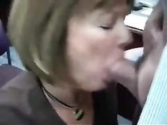 Mature co-worker pleases me with a oral-sex in an office