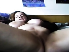 Plump chat model is rubbing her bald pussy on livecam