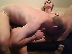 Short-haired blond milf blows and enjoys awesome cunni