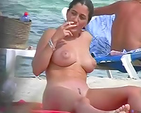 Buxom beauty with trimmed wet crack could not have guessed I was spying on her