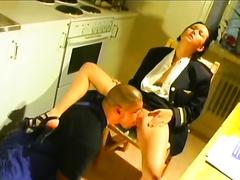 Brunette hussy enjoys vehement cunni and shows her blowjob skills