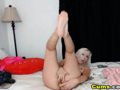 Hot Chick Pounds Her Hole on Cam