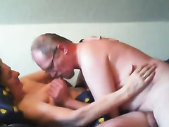 I kiss my older wife's natural bra buddies after fucking her cunt