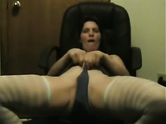Incredibly spoiled granny is finger fucking her cookie on livecam