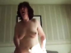 Chubby older white wife rides me on top in the morning