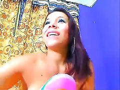 Latina milf with pretty puffy hairless wet crack on web camera