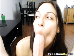 Babe Gives Awesome Head to Big Cock