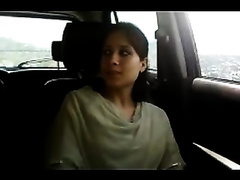Super sexually excited Indian hottie gives her paramour a nice blow job in his car