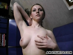 Busty dilettante girlfriend toys and gives cook jerking