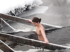 Hidden camera vid with 2 babes bathing in a pond in winter