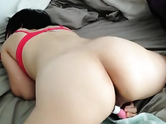 My brunette hair cheating wife uses a toy to satisfy herself in homemade solo clip