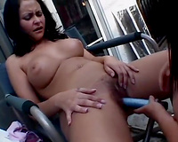 Outdoor scissoring scene with 2 bulky dark brown lesbian babes