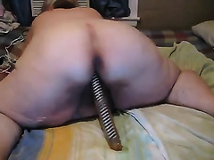 This how a white SSBBW livecam bawdy slutwife rode a sex-toy