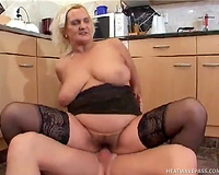 Mature woman with saggy titties cums faster from spooning position